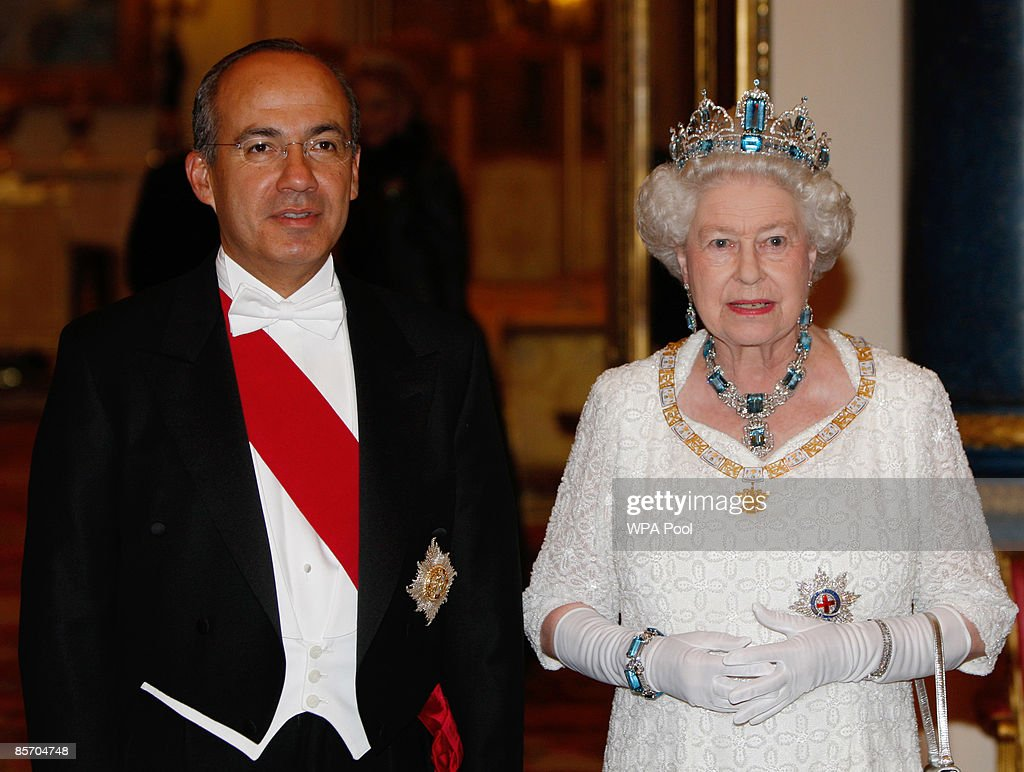President of Mexico Felipe Calderon (L) attends a state banquet hosted by Queen Elizabeth II (R) at Buckingham Palace on March 30, 2009 in London, England. President of the United Mexican States Felipe Calderon and his wife Margarita Zavala de Calderon are on a four-day state visit to the United Kingdom from March 30 - April 2.
