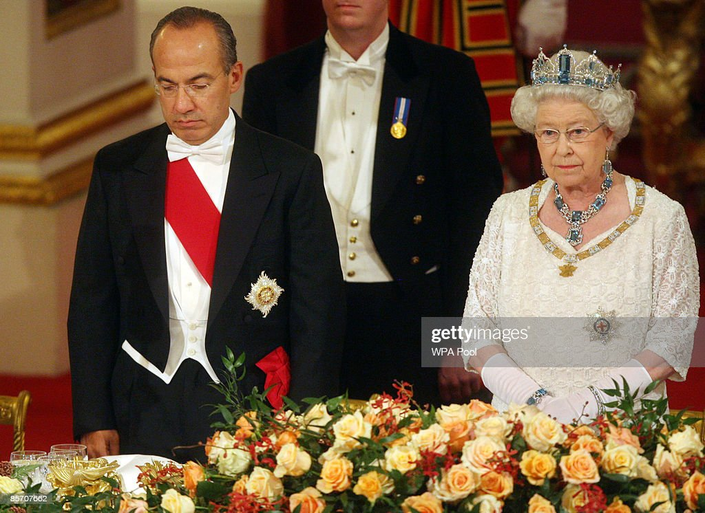 Mexico's President Felipe Calderon (L) and Queen Elizabeth II attend a state banquet hosted by the Queen in honour of the visiting president and first lady, inside the Ballroom at Buckingham Palace on March 30, 2009 in London, England. President of the United Mexican States Felipe Calderon and his wife Margarita Zavala de Calderon are on a four-day state visit to the United Kingdom from March 30 - April 2.