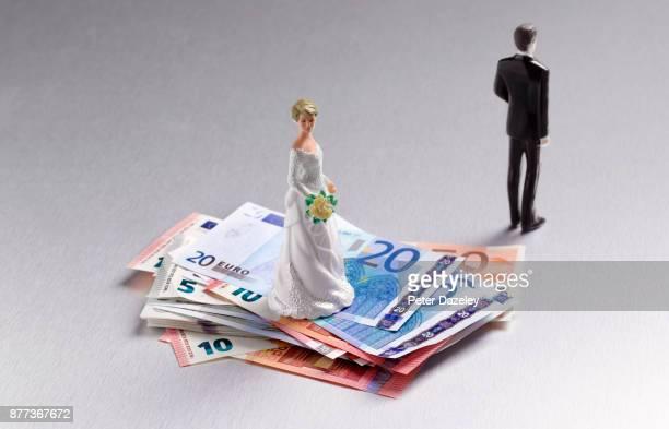 DIVORCED COUPLE ON EUROS