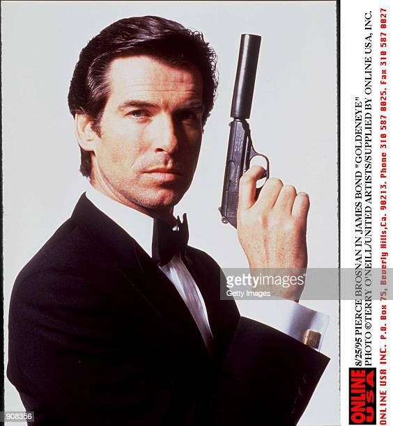 8/25/95 IZABELLA SCORUPCO AND PIERCE BROSNAN IN GOLDENEYE