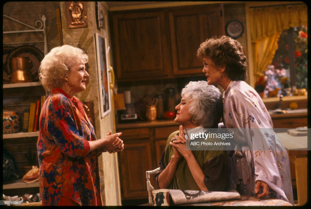 THE GOLDEN GIRLS - 9/24/85 - 9/24/92, BETTY WHITE, BEA ARTHUR, RUE MCCLANAHAN,