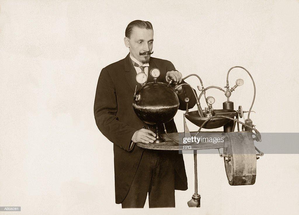PERPETUAL MOTION MACHINE : Stock Photo