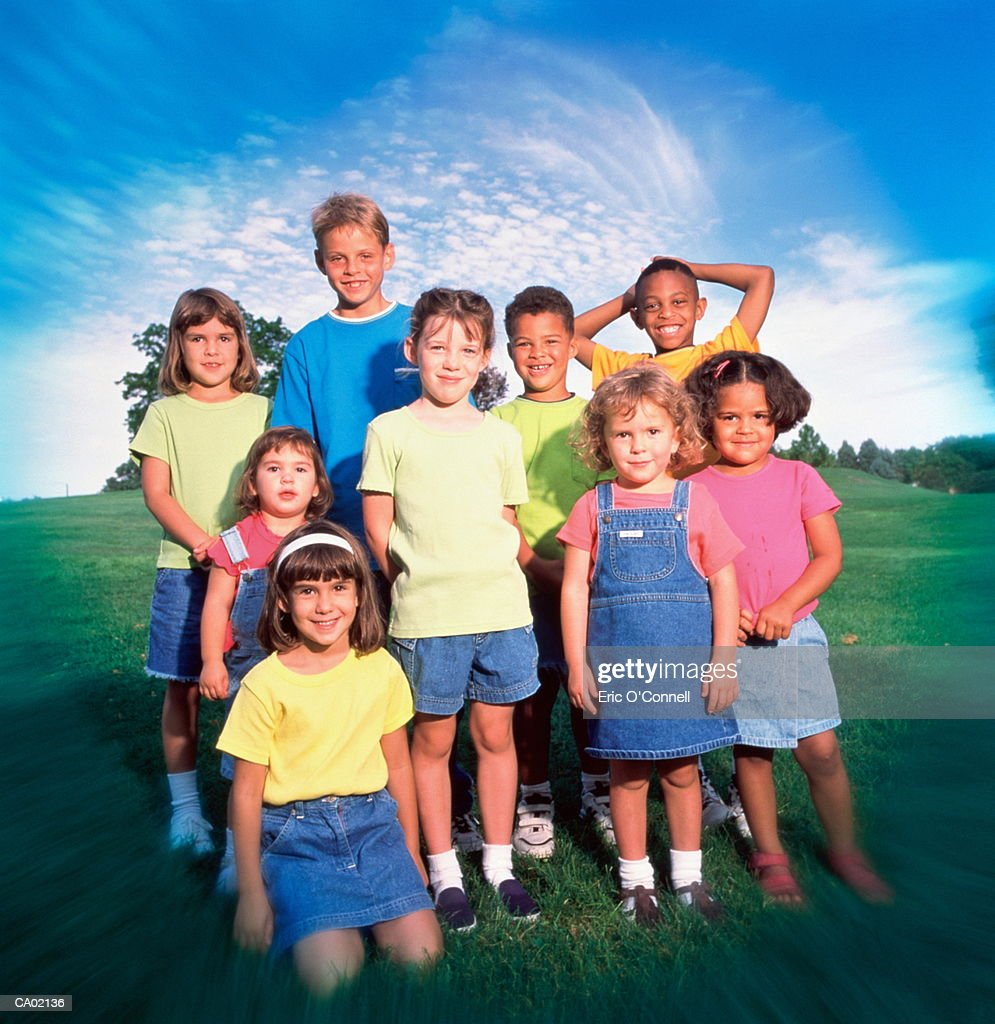MULTI ETHNIC KIDS OUTDOORS PORTRAIT : Stock Photo