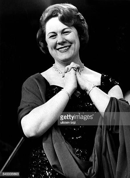 *Sängerin Opernsängerin Sopran ItalienPorträt bei einem Konzert um 1960