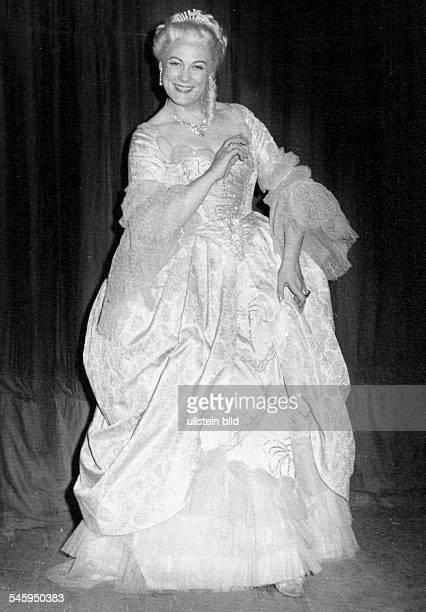 *Sängerin Opernsängerin Sopran ItalienRollenporträt als Manon Lescaut undatiert