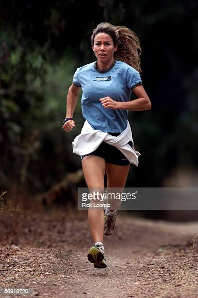 SP0921racepre2RL––Fullerton––Erin Petrossi Fullerton will compete in her first marathon this month at the Long Beach Marathon Petrossi has had bouts...