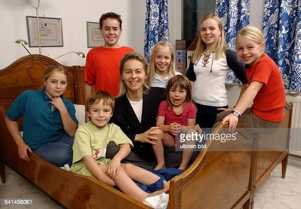 leyen ursula v d politikerin cdu d nieders chs ministerin soz frauen familie. Black Bedroom Furniture Sets. Home Design Ideas