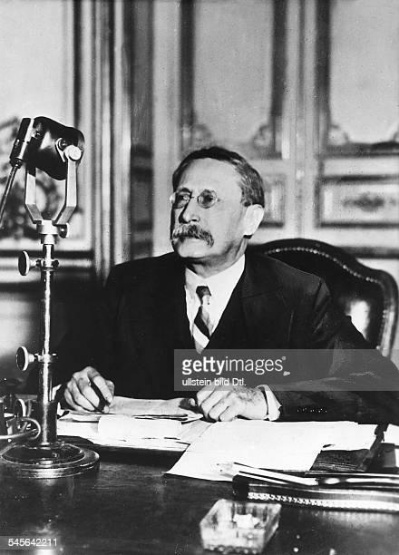 *09041872Politiker Sozialist FrankreichMinisterpräsident 193637/1938/194647Porträt 1937