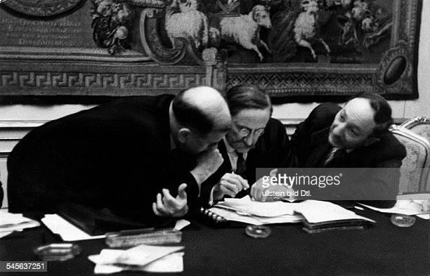 *09041872Politiker Sozialist FrankreichMinisterpräsident 193637/1938/194647Blum als neu ernannter Ministerpräsident mit Mitgliedern seines Kabinetts...