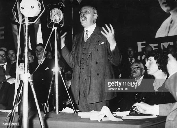 *09041872Politiker Sozialist FrankreichMinisterpräsident 193637/1938/194647Rede auf einem internationalen FrauenKongress in Paris