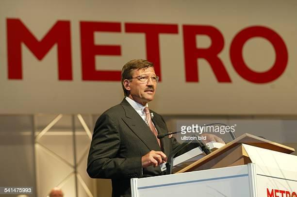 Manager DVorstandsvorsitzender der Metro AGRede während der Hauptversammlung