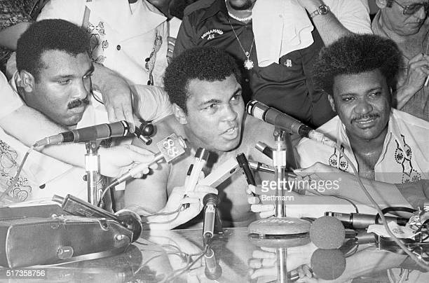 Manila Philippines Heavyweight champion of the world Muhammad Ali meets with the press after defeating challenger Smokin' Joe Frazier in the 14th...