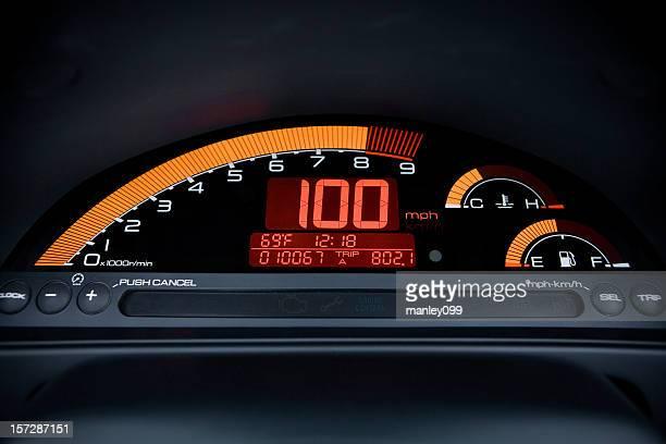 Numérique jauge de 100 km/h