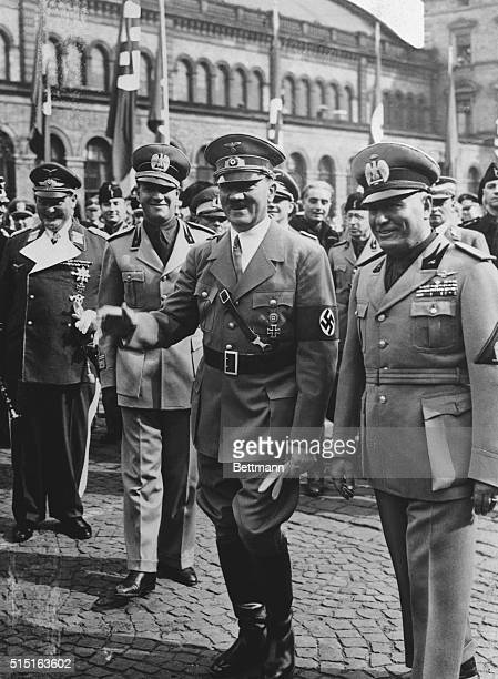 10/6/1938Munich GermanyReichfuehrer Adolf Hitler and Premier Benito Mussolini of Italy on their arrival in Munich for fourpower peace conference to...