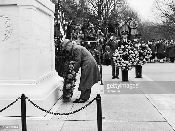 Arlington VA President Harry S Truman leads the Nation in observance of Armistice Day as he places a wreath at the tomb of the Unknown Soldier in...