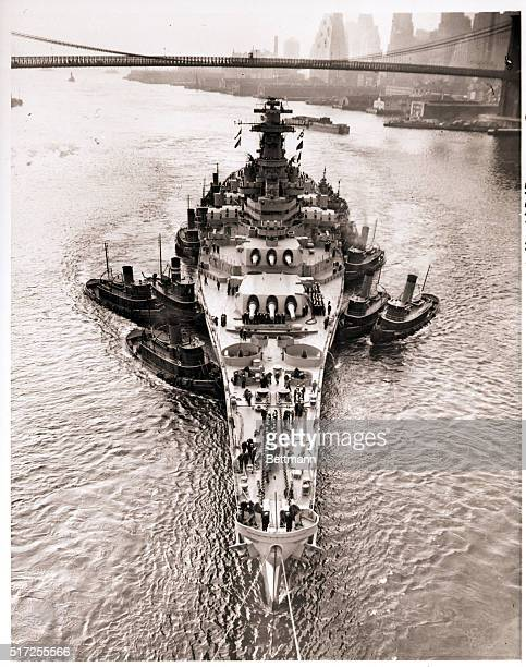 Brooklyn NY The recommissioned 45000 ton USS New Jerseyone of the world's mightiest battleshipswhich came out of the 'mothball' reserve fleet in...