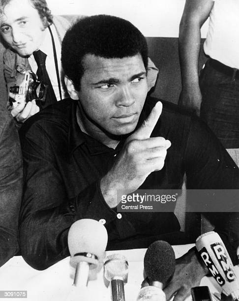 American heavyweight boxer Muhammad Ali addressing the press at Kinshasa where he is preparing for his fight against world champion George Foreman