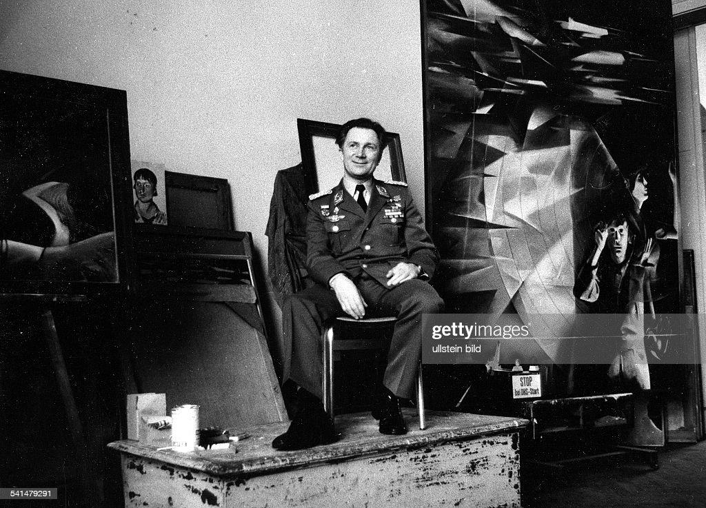 * Kosmonaut; DDR / Dsitzt Modell an der Kunsthochschule Dresden- o.J.