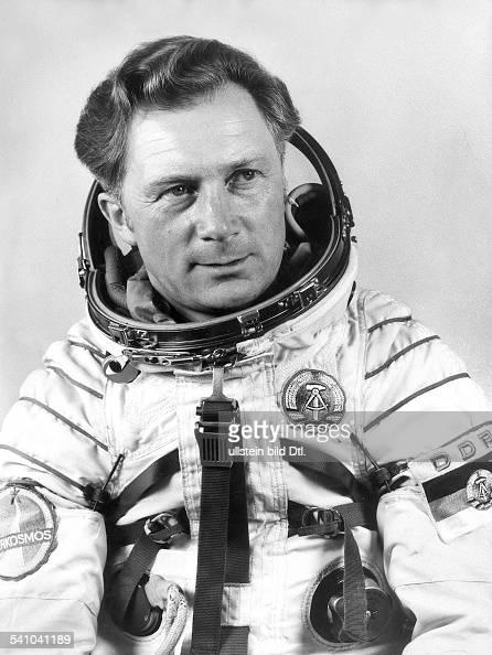 * Kosmonaut DDRim Raumanzug 1978