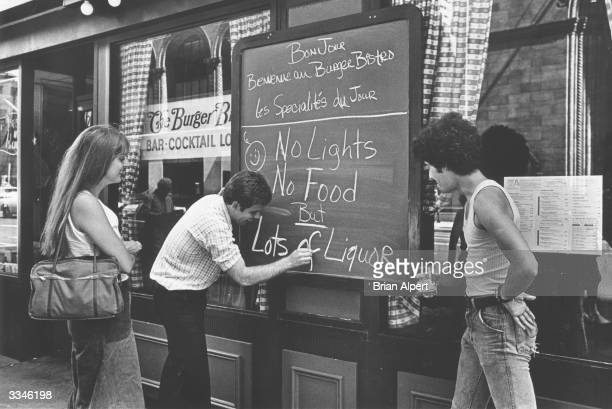 A restaurant with only liquor left after the New York blackout
