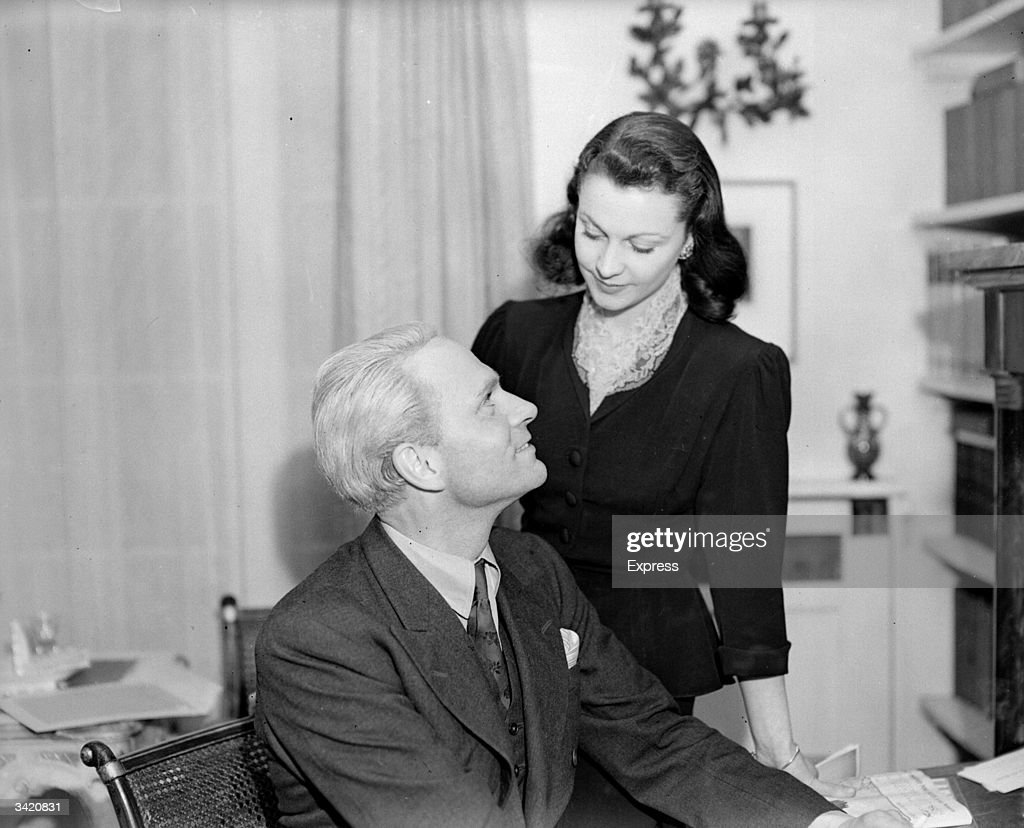 English actor Laurence Olivier with his wife, the English actress Vivien Leigh.