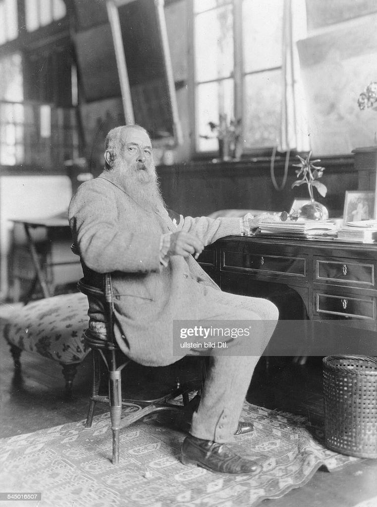 Bildender Künstler, Maler, FrankreichPorträt am Schreibtisch- vermutl. um 1920
