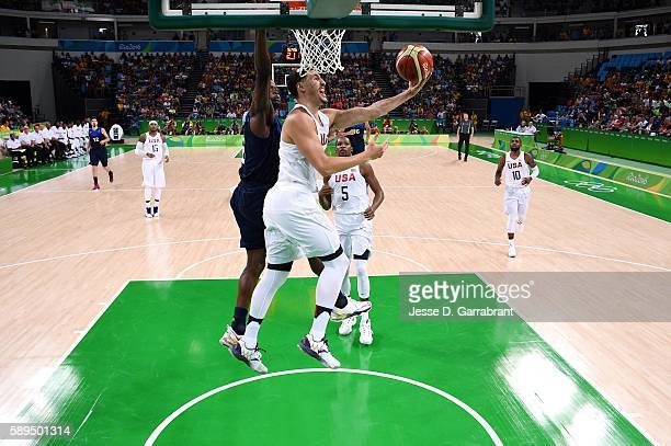 Klay Thompson of the USA Basketball Men's National Team goes for the lay up during the game against France on August 14th 2016 at the Barra Carioca...