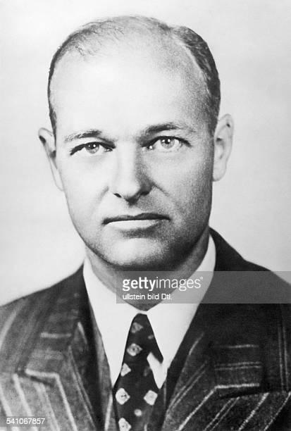 *Diplomat und Historiker USAPortrait1952