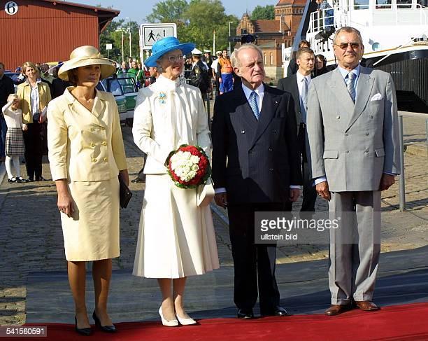 Königin von Dänemark seit 1972Besuch in Lübeck die Königin und ihr Prinzgemahl Henrik wurden von Bundespräsident Johannes Rau am Hansekai begrüsst