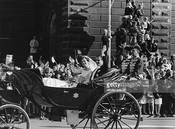 *Prinzessin Königin von Dänemark seit 1972Hochzeit mit Prinz Henrik beide in derHochzeitskutsche 1967