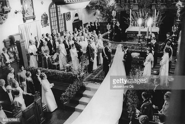 *Prinzessin Königin von Dänemark seit 1972Hochzeit mit Prinz Henrik Brautkuss in der Kirche Juni 1967