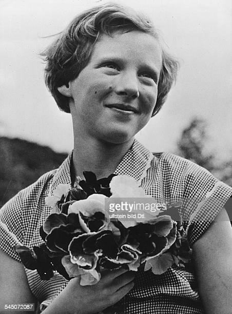 *Prinzessin Königin von Dänemark seit 1972Porträt 1953