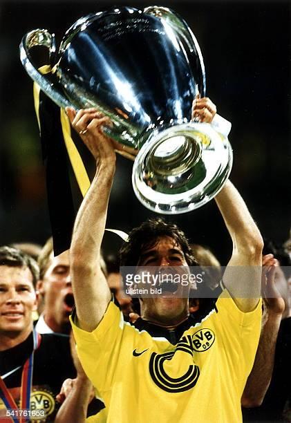 Sportler Fussball D Endspiel um den Europapokal derLandesmeister imOlympiastadion von München BorussiaDortmund Juventus Turin 31 Der zweifache...