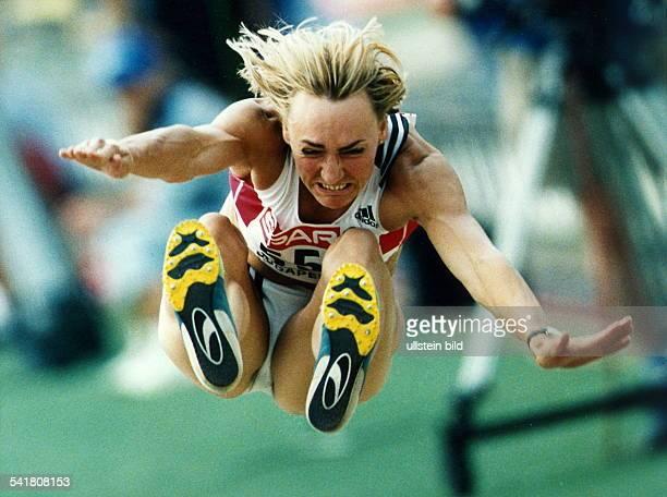 Sportlerin Leichtathletik DEuropameisterschaft in BudapestWeitsprung die Europameisterin im Sprung August 1998