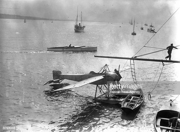 During a waterplane race round Britain Lieutenant Travers on his seaplane pays a visit to the Enchantress