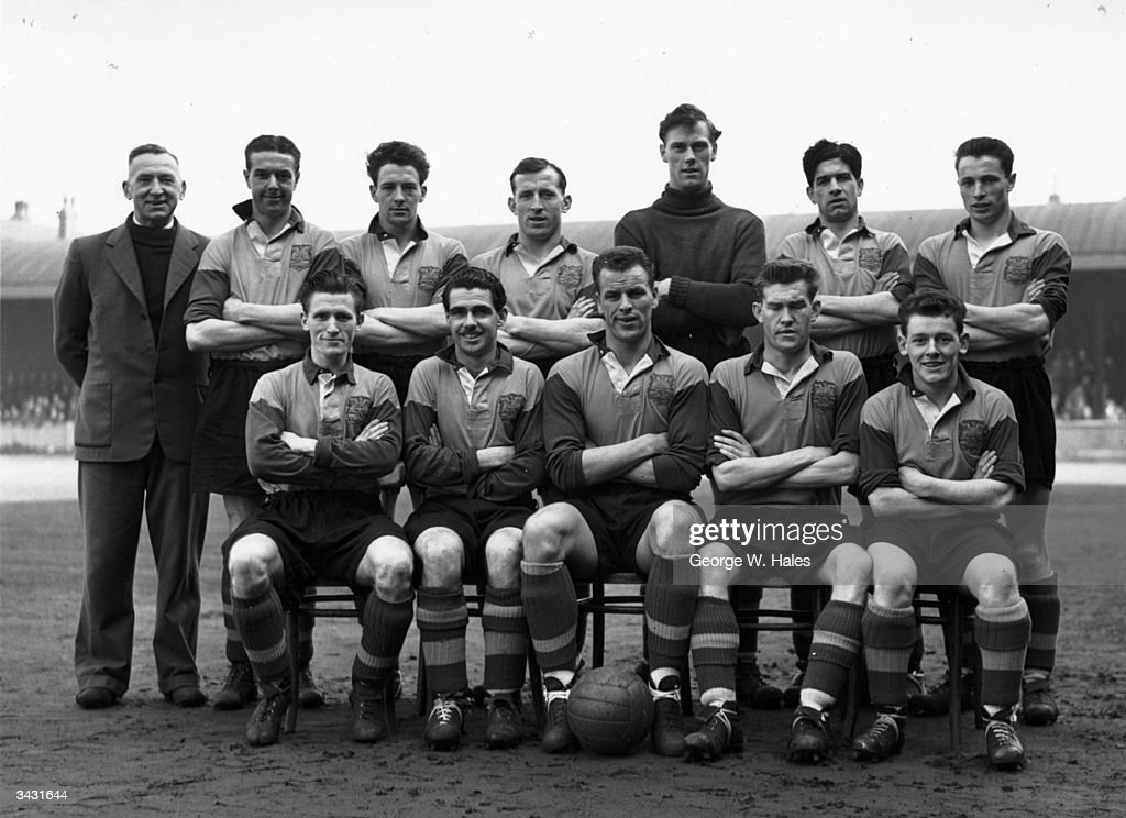 Leeds United Football Club team photo Standing left to right Bob Roxburgh Harold Brook Archie Gibson Jimmy Dunn Roy Wood Eric Kerfoot Grenville Hair...