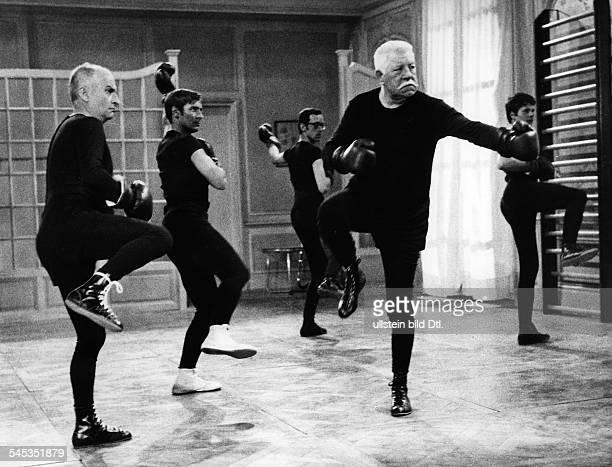 *Schauspieler Frankreichmit Louis de Funes in einer Szeneaus dem Film 'Balduin das Nachtgespenst' Frankreich/Italien 1968Regie Denys de la Patelliere
