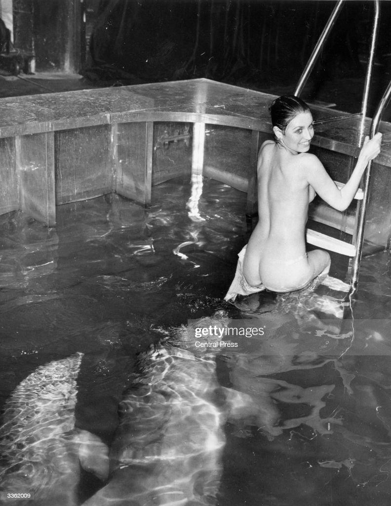 Miss Nude International 111