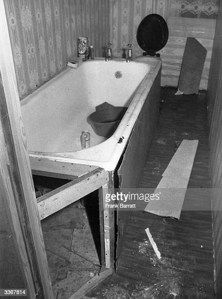 The bathroom of a flat at Stoke Newington in London that was used by the IRA to store bomb making equipment