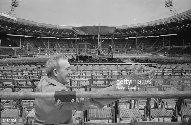 Bill Faversham manager to Muhammad Ali at Wembley Stadium in London