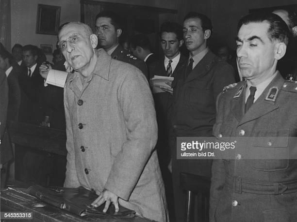 18801967Politiker Persien19511953 MinisterpräsidentHochverratsprozess gegen Mossadegh vor einem Kriegsgericht in Teheran Mossadegh bei der...
