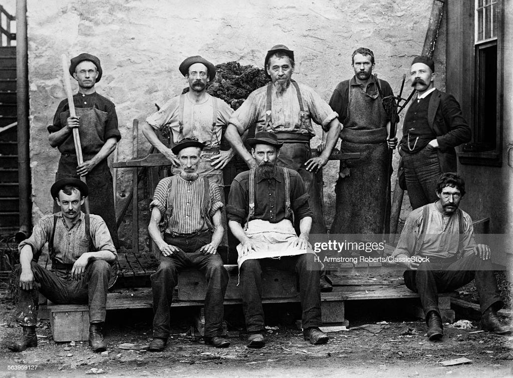 1890s 1900s GROUP PORTRAIT...