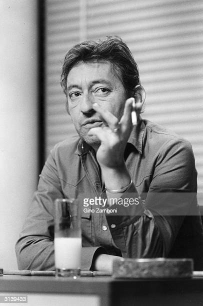 Enjoying a cigarette and a drink musician Serge Gainsbourg He composed the song 'Je T'AimeMoi Non Plus' sung by his constant companion the actress...