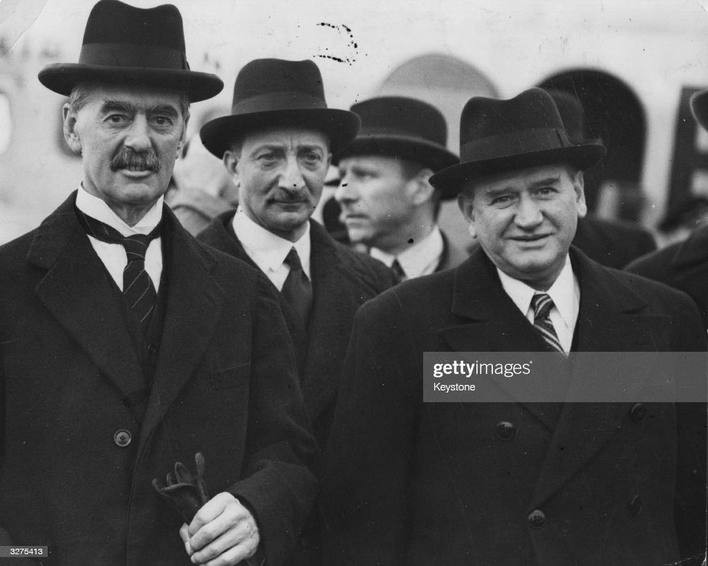Edouard Daladier et Neville Chamberlain (Churchill n'est pas encore premier ministre). Site d'origine indiqué.