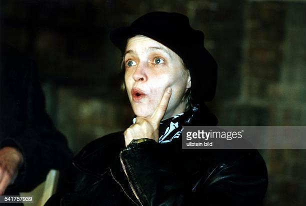 Schauspielerin Regisseurin Dmit erstauntem Gesichtsausdruck Juli 1997
