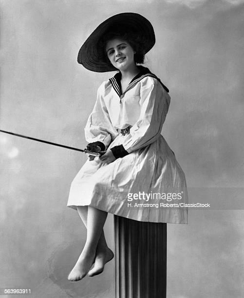 1910s 1920s WOMAN WEARING...
