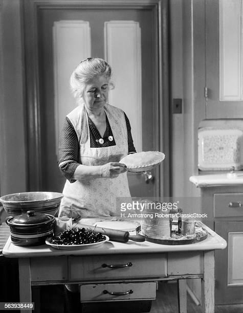 1920s 1930s SENIOR WOMAN...