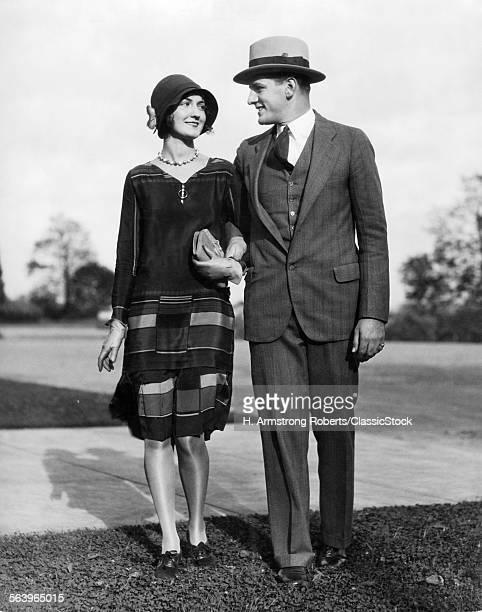 1920s PORTRAIT SMILING...