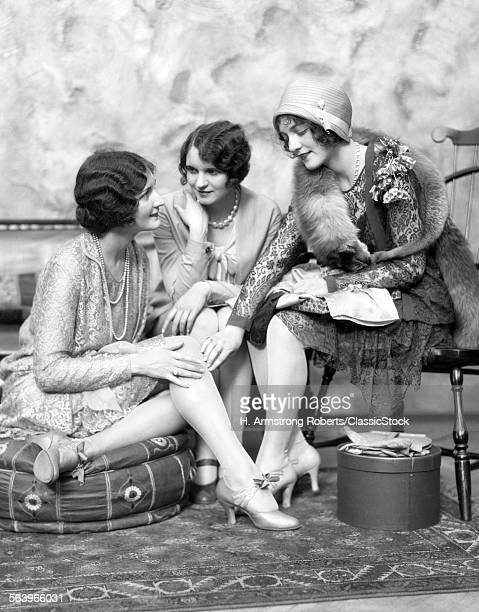 1920s THREE WELL DRESSED...