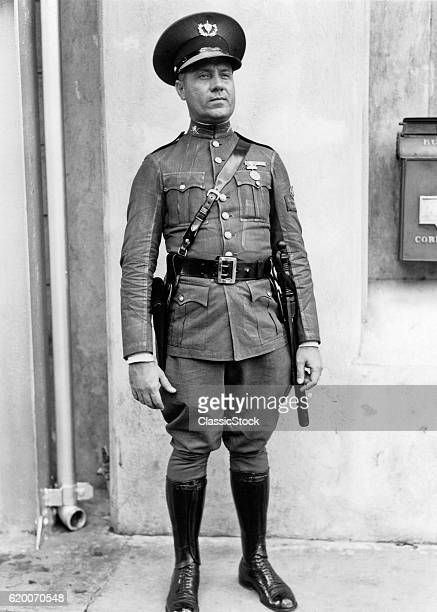 1930s 1940s A POLICEMAN IN...